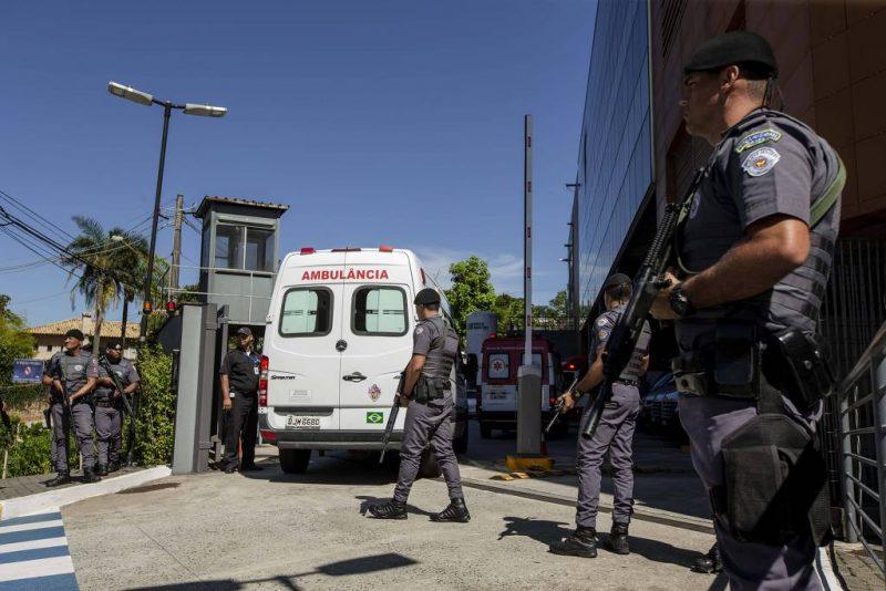 Esquema de segurança para a chegada do presidente Bolsonaro no Hospital Albert Einstein. Foto: Folhapres|Reprodução