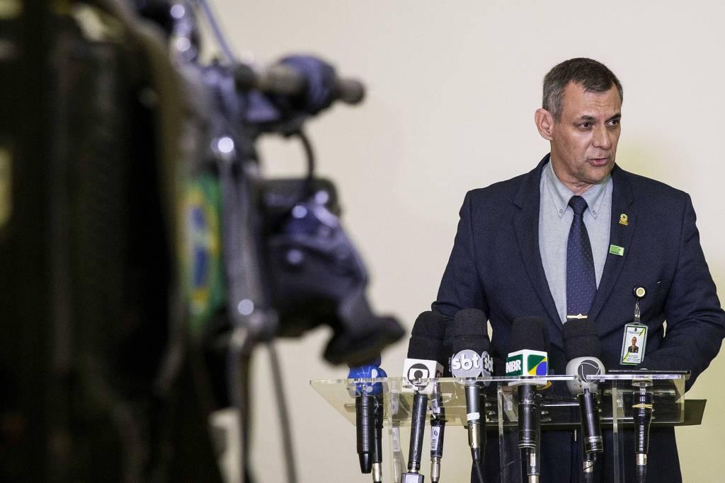 O porta-voz da presidência falou antes da cirurgia e deverá ser o interlocutor durante o período de internamento. Foto: Folhapress