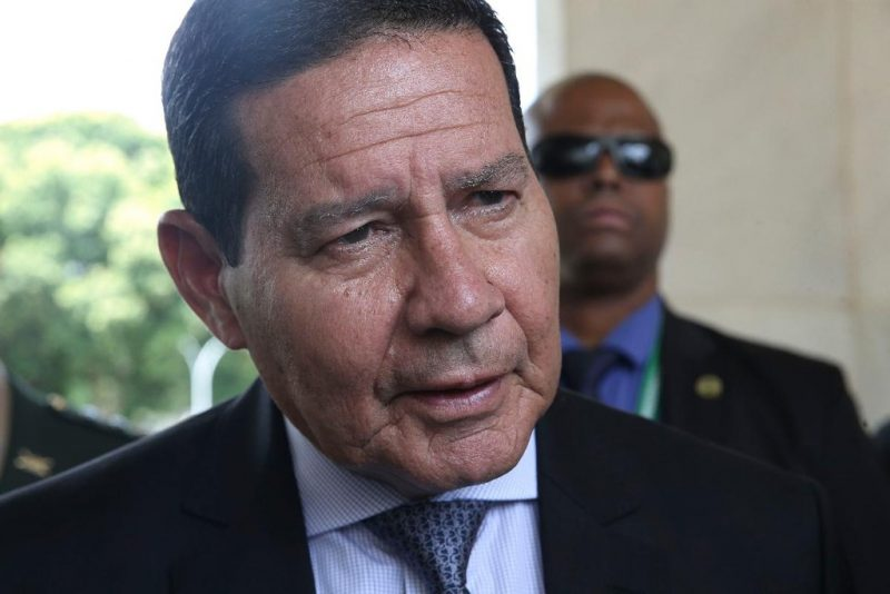 General Hamilton Mourão, vice-presidente da República, responderá pela presidência, mas Bolsonaro despachará do hospital assim que puder. Foto: reprodução