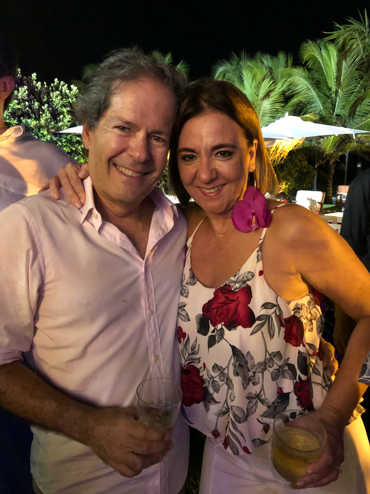 Victor e Maria Helena Bandeira de Melo também curtiram muito a noite pra lá de animada. Foto: Gaúcho Aerorec
