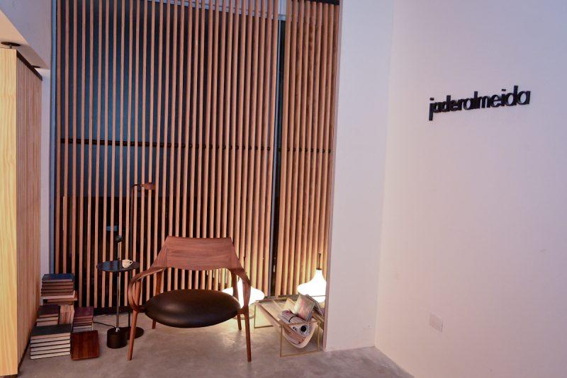 Detalhe da entrada do showroom de Jader Almeida na Italica Casa. Foto: Jose Britto