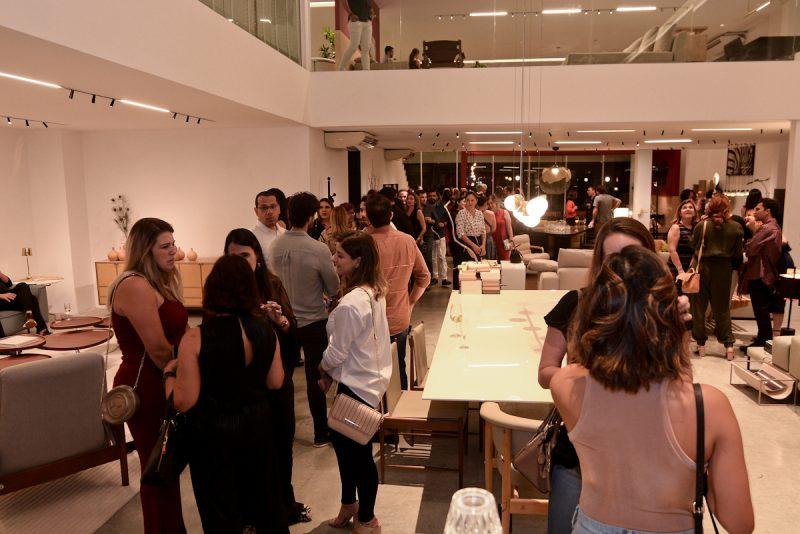 A Itálica Casa, que também está recheada de móveis assinados, ficou superlotada. Foto: Jose Britto