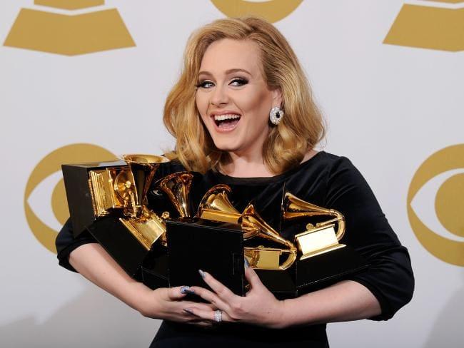 O motivo da separação teria sido a distância. Adele estava amando sua vida nos EUA e o marido preferia a Inglaterra