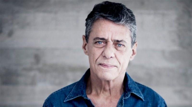 """Chico Buarque finalmente volta aos palcos; desta vez, com a turnê do seu álbum mais recente, """"Caravanas"""" - Foto: Divulgação"""