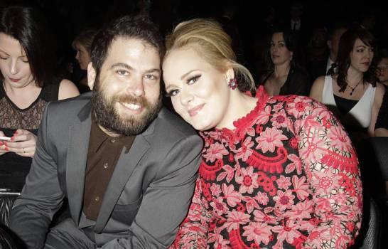 Adele e seu marido, Simon, em raro momento em que foram fotogrados juntos em evento social. Foto: reprodução