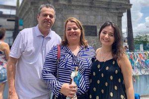O deputado federal Danilo Cabral (PSB-PE) ao lado da família - Foto: Instagram/Reprodução