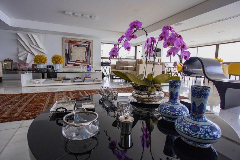 O belo décor foi assinado pelo trio Fabiano Reis, Silvio Medeiros e Maria Odete Souto - Foto: Joyce Oliveira