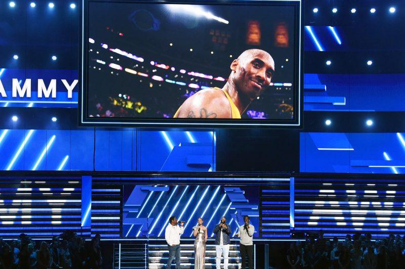 Kobe Bryant é homenageado com nome em rua de Los Angeles