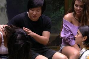 Pyong hipnotiza brothers - Foto: Reprodução/TV Globo.