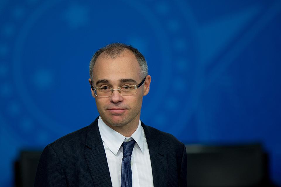 Ministro da Justiça é internado em Brasília