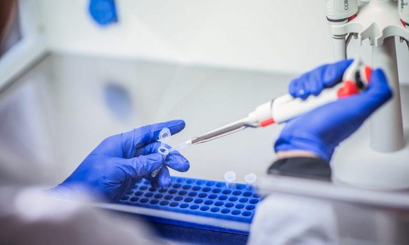 As vacinas contra meningite, hepatite e tríplice bacteriana, que atualmente são importadas, vão passar a sair do polo nacional.