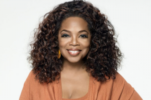 Oprah estreia novo talk show na Apple TV