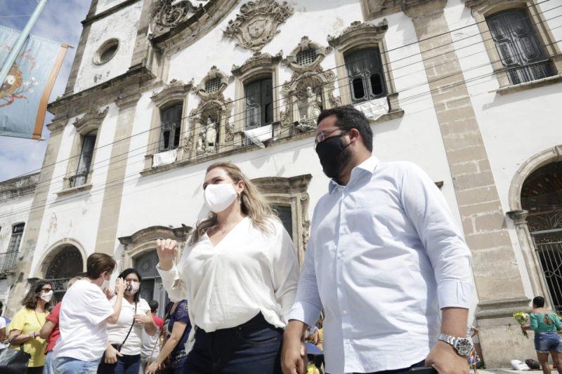 Pré-candidatos a prefeitura do Recife vão à festa da padroeira