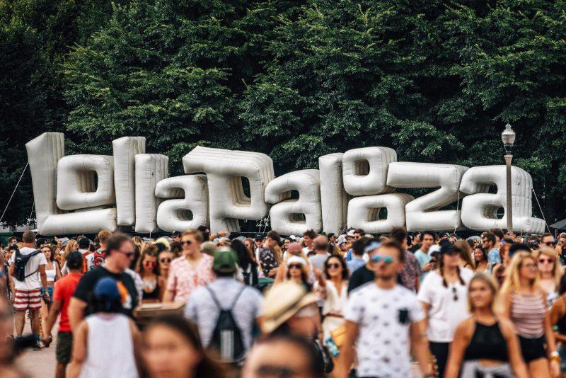 Organizadores do festival Lollapalooza afirmaram que um novo line-up será anunciado