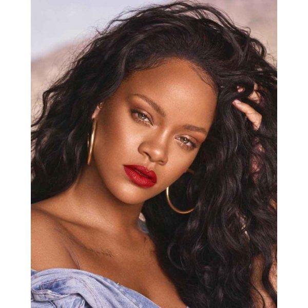 Com dois dias de lançamento, marca de Rihanna é sucesso no Brasil