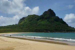 Noronha celebra aniversário com reabertura de praias a moradores