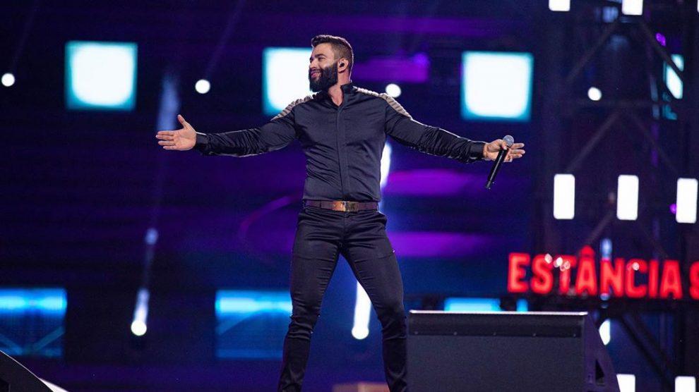 """Gusttavo Lima faz """"maior live do mundo"""": milhões em cachê e views"""