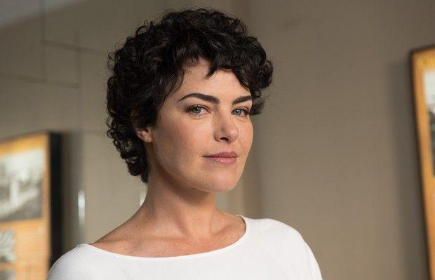 Ana Paula Arósio estrela campanha e planeja volta à TV