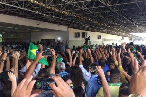 Bolsonaro surfa na popularidade para visitar o Nordeste