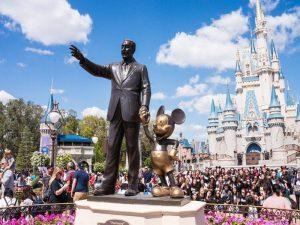 Disney demite 28 mil funcionários devido à pandemia