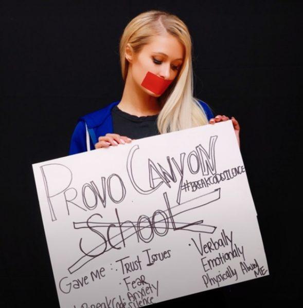 Paris Hilton afirma que sua vida era uma farsa