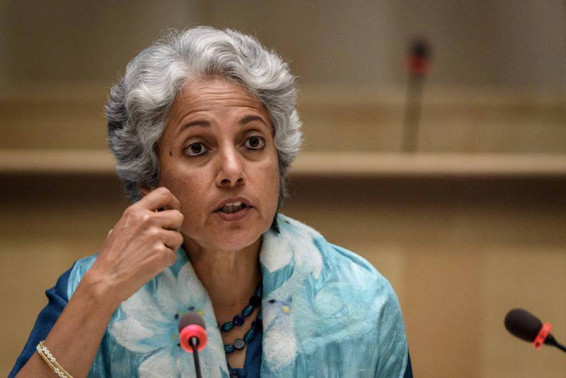 A cientista-chefe da OMS, Soumya Swaminathan, afirmou que a previsão da vacinação para jovens saudáveis será 2022