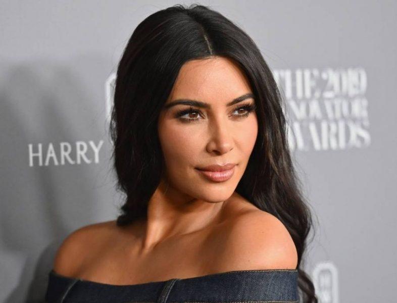 Kim Kardashian pediu divórcio de Kanye West, afirma site