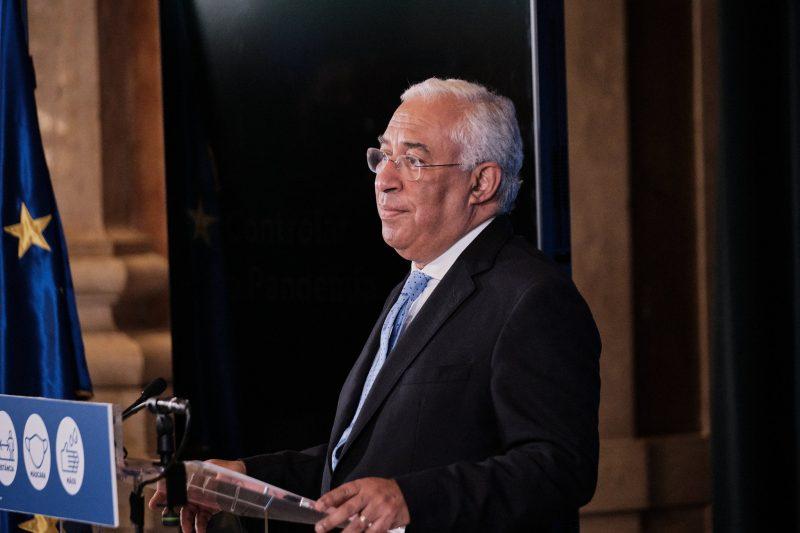Portugal volta a proibir viagens para conter avanço da Covid-19