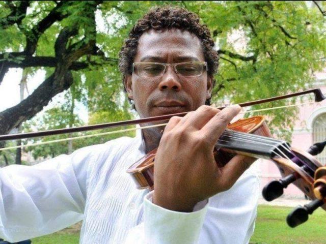 Entre Brasil e Espanha, o talento do maestro Israel de França