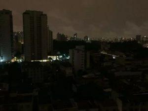 Justiça ordena que energia no Amapá seja reestabelecida até terça