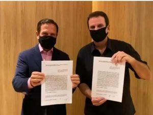 Doria e Paes assinam acordo para a aquisição da Coronavac