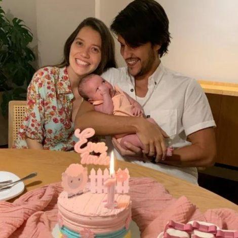 Parabéns! Nathalia Dill comemora primeiro mês de vida da filha