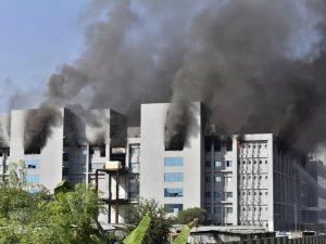 Incêndio em fábrica de vacinas na Índia deixa cinco mortos