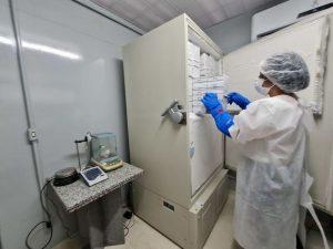 UFPE disponibiliza freezers para guardar 1 mi de doses de vacina