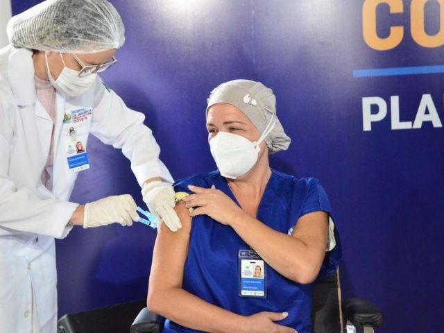 Brasil chega a um milhão de vacinados contra a Covid-19